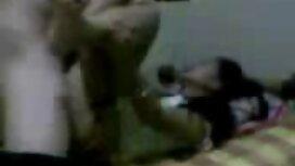 Orang yang memasang kamera di dalam rumah dan melihat seorang pantat awek gadis telanjang.