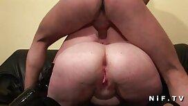 Gadis itu telah tidak ada uang, dan di sini dia, bekerja sex sangap keras untuknya lubang yang cantik