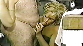 Lelaki yang koleksi video lucah awek melayu mempunyai hubungan seks di dalam rumah baru