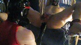 Lelaki dengan dipasang keras seksi kecantikan di dalam pantat awek melayu kereta
