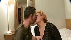 Dua wanita sukan, menari sedapnya sex untuk zakar.