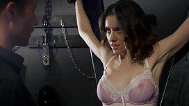 Asia seperti ini tahu bagaimana untuk menggunakan seragam video sex awek bertudung untuk pesona