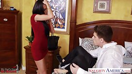 Erotisme juga boleh dilakukan oleh seorang 18 tahun model tudung sundal lama