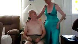 Gadis yang menarik telus baju pada tubuh telanjang bersemangat memberi saya melayu cantik lucah blowjob